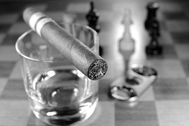 Est-ce qu'il y a de la nicotine dans les cigares ?